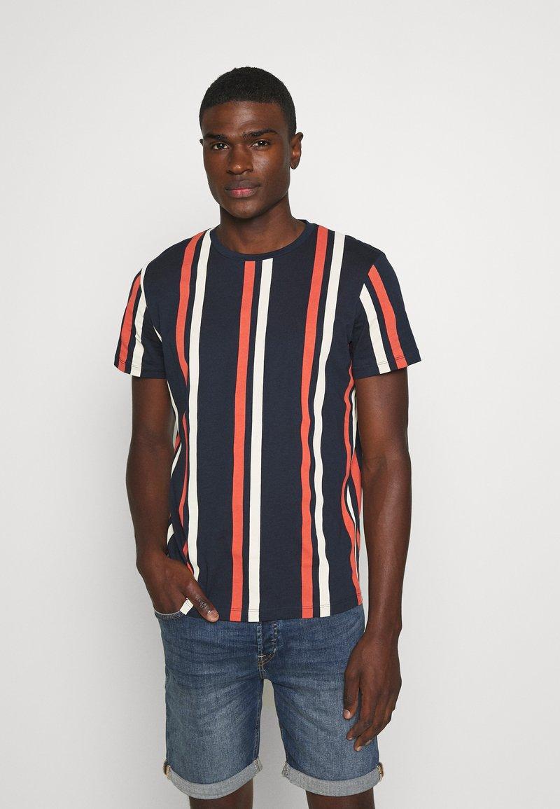 Jack & Jones - JORJERRY TEE CREW NECK  - T-shirt con stampa - navy blazer