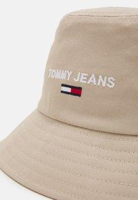 Tommy Jeans - SPORT BUCKET UNISEX - Čepice - beige - 3