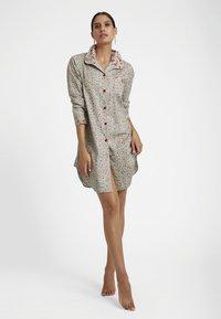 MADELEINE - Pyjama top - taupe/multicolor - 1