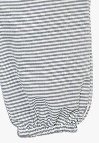 Müsli by GREEN COTTON - STRIPE BABY ZGREEN - Trousers - white/blue - 4