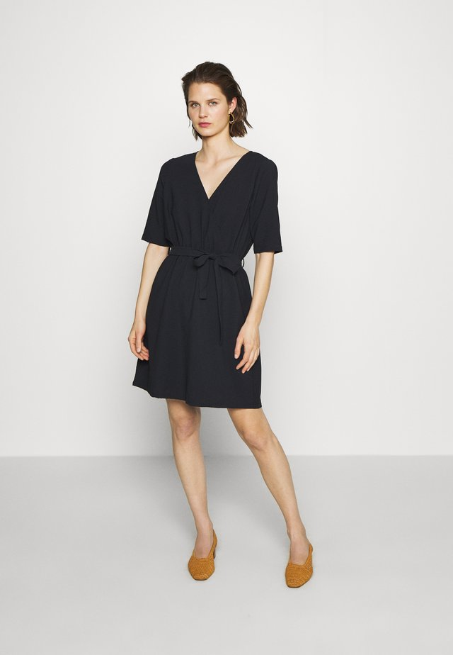 DRESS - Korte jurk - black iris