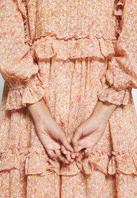 Stella Nova - BARBARA - Denní šaty - pink/orange - 6
