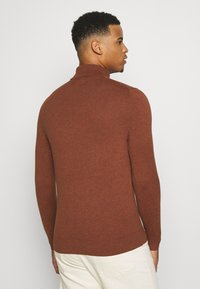 Burton Menswear London - FINE GAUGE ROLL  - Pullover - ginger - 2