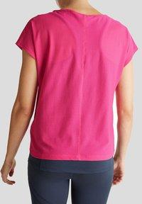 Esprit Sports - Print T-shirt - pink fuchsia - 4