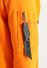 Alpha Industries - FOAM PRINT - Sweat à capuche - alpha orange - 4