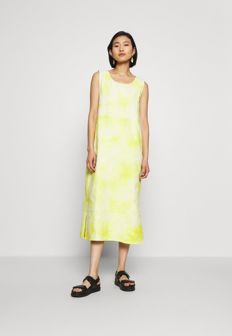 HOSBJERG - RINA DRESS - Robe d'été - yellow/white