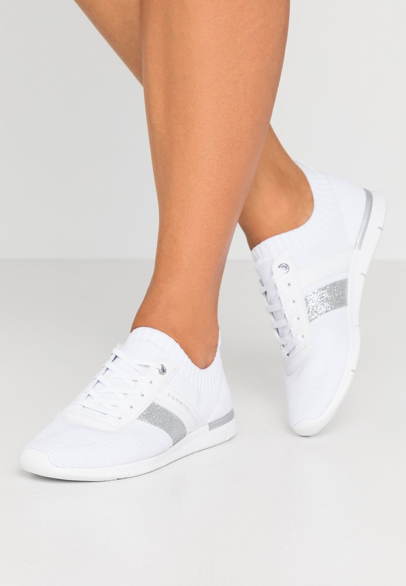 Tommy Hilfiger - FEMININE LIGHTWEIGHT  - Zapatillas - white
