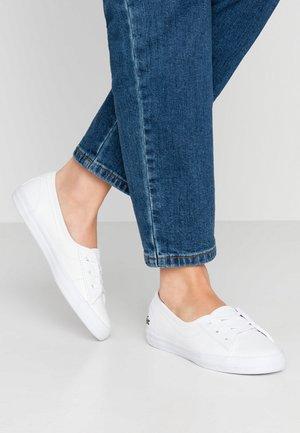 ZIANE CHUNKY - Sneakersy niskie - white
