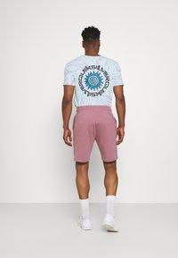 CLOSURE London - SCRIPT 2 PACK  - Spodnie treningowe - greymarl/rose - 2