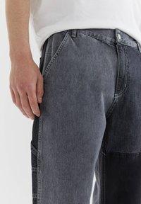 PULL&BEAR - MIT COLOUR-BLOCK - Straight leg -farkut - light grey - 4