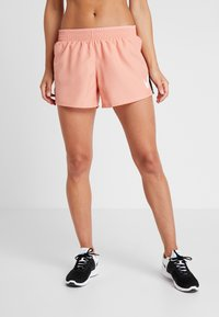 Nike Performance - RUN SHORT - Pantalón corto de deporte - pink quartz/white - 0