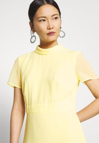 Esprit Collection - Sukienka koktajlowa - lime yellow - 4