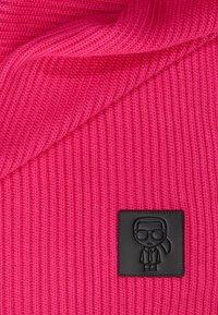 KARL LAGERFELD - IKONIK PATCH SCARF - Šála - pink - 1
