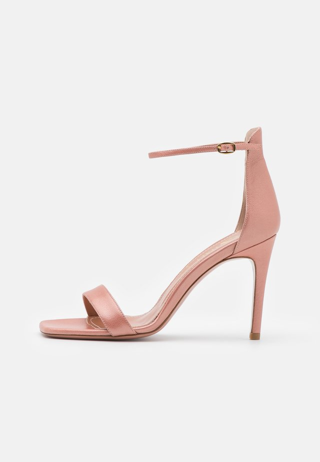 CALDA - Korolliset sandaalit - sirio rosa