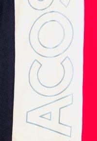 Lacoste - T-shirt print - rouge/naturel clair/marine - 6