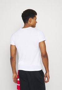 Nike Performance - DRY TEE - Print T-shirt - white - 2