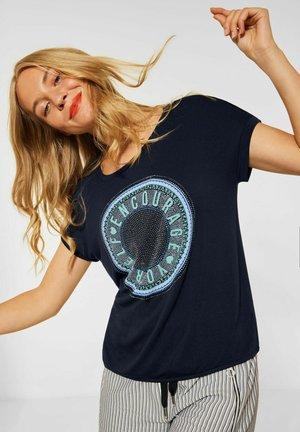 MIT STEINCHEN DEKO - Print T-shirt - blau