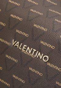 Valentino Bags - LIUTO - Bolsa de fin de semana - cuoio/multicolor - 3