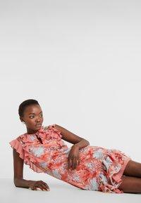 Three Floor - EXCLUSIVE DRESS - Vestido de cóctel - red/multi-coloured - 4