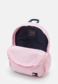 Tommy Hilfiger - KIDS CORE BACKPACK - Batoh - pink - 2