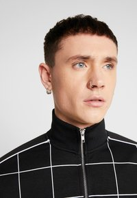 Topman - BLACKWINDOW PAIN TRACK TOP - Bluza - black - 5