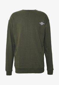 RETHINK Status - CREW NECK - Sudadera - army garment dye - 0