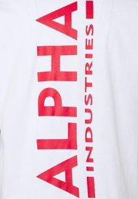 Alpha Industries - BACK PRINT HEAVY - Pitkähihainen paita - white/red - 2