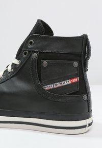 Diesel - EXPOSURE I - Zapatillas altas - black - 5