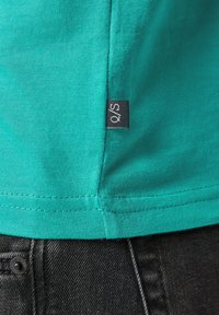 QS by s.Oliver - DETAIL - Print T-shirt - turquoise - 6