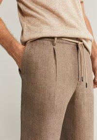 Mango - OCTOPUS - Trousers - braun - 4