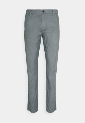 CASUAL TAPERED