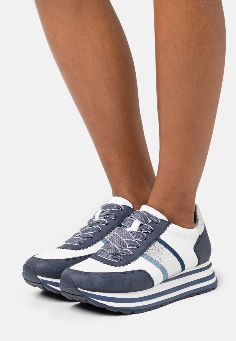 Tamaris - Trainers - white/jeans