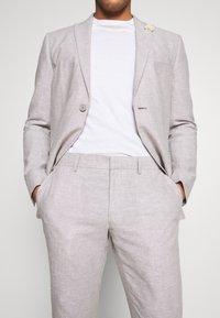 Isaac Dewhirst - PLAIN WEDDING - Oblek - grey - 8