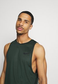 Nike Performance - TANK DRY - Camiseta de deporte - sequoia/galactic jade/heather/black - 3