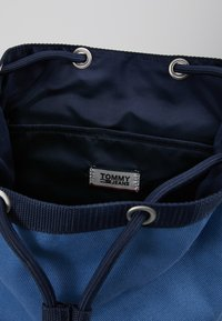Tommy Jeans - HERITAGE BACKPACK - Rucksack - blue - 4