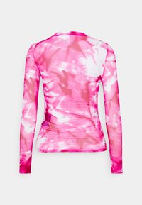 Calvin Klein Jeans - HIGH NECK - Long sleeved top - cerise marble - 1