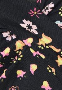 s.Oliver - WIRE BANDEAU - Bikini top - black - 2