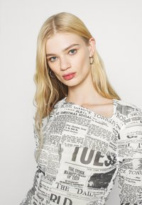 Weekday - MARGERIE LONG SLEEVE - Long sleeved top - white - 3
