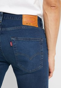 Levi's® - 501® SLIM TAPER - Džíny Slim Fit - ironwood - 5