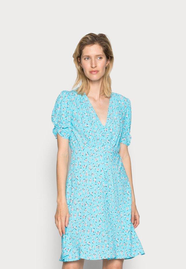 SABRINA DRESS - Sukienka koszulowa - scatter blue/lilac
