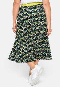 Sheego - A-line skirt - tiefgrün gemustert - 3