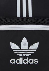 adidas Originals - BACKPACK UNISEX - Batoh - black/white - 4