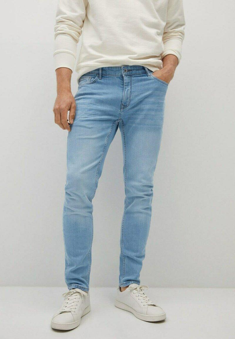 Mango - Slim fit jeans - hellblau