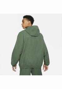 Nike Sportswear - ANORAK  - Windbreaker - galactic jade galactic jade - 4