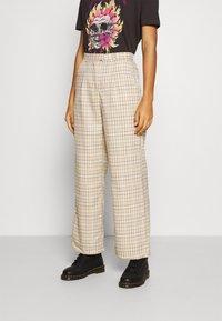 Fashion Union - TROUSER - Kalhoty - beige - 0