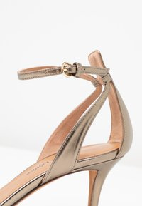 Pura Lopez - Sandals - gold - 2