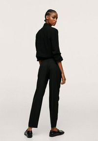 Mango - STRAIGHT-FIT - Chino kalhoty - black - 2