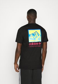 adidas Originals - SPORTS INSPIRED SHORT SLEEVE TEE - Camiseta estampada - black - 2