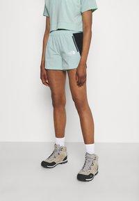 The North Face - GLACIER SHORT - Pantaloncini sportivi - lichen - 0