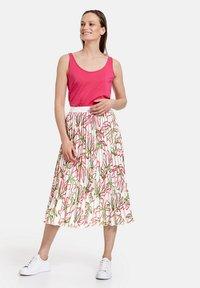 Gerry Weber - MIT FLORALEM - A-line skirt - weiß azalea palm druck - 1